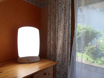 lampe pour un traitement de luminothérapie allumée